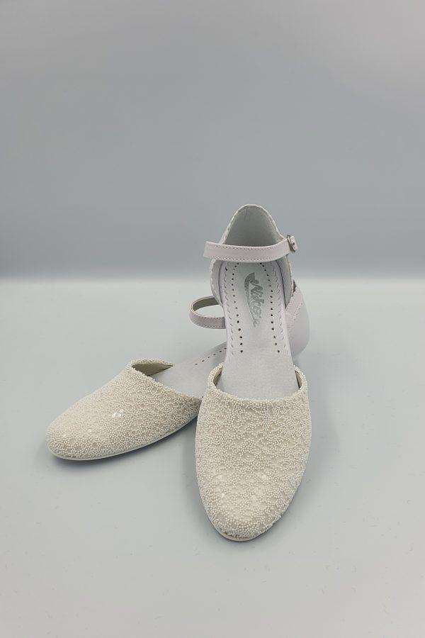 Eleganckie buty komunijne dla dziewczynki