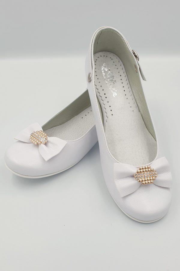 Białe buty komunijne z cyrkoniami